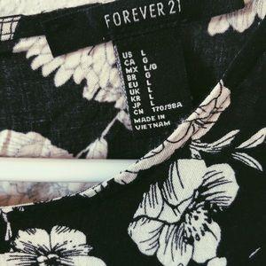 Forever 21 Dresses - Forever 21 Black & White Floral Dress
